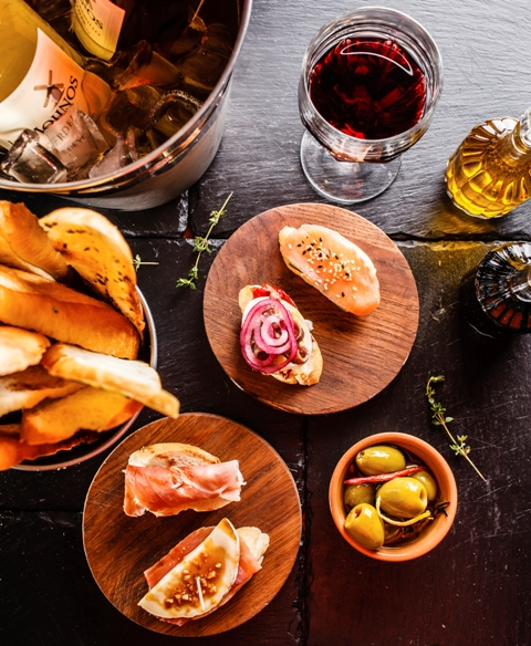 A Mediterranean lifestyle. The Spanish culture, food & drink.